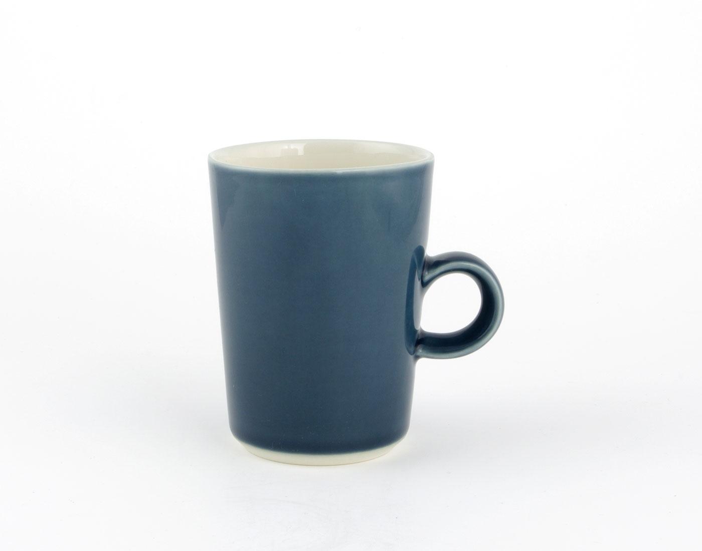 mittlere Tasse