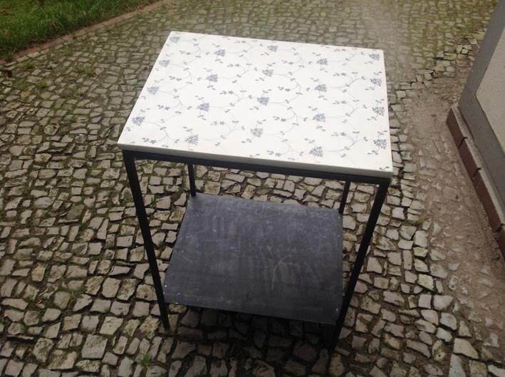 Tisch mit Porzellanplatte  – beidseitig bedruckt