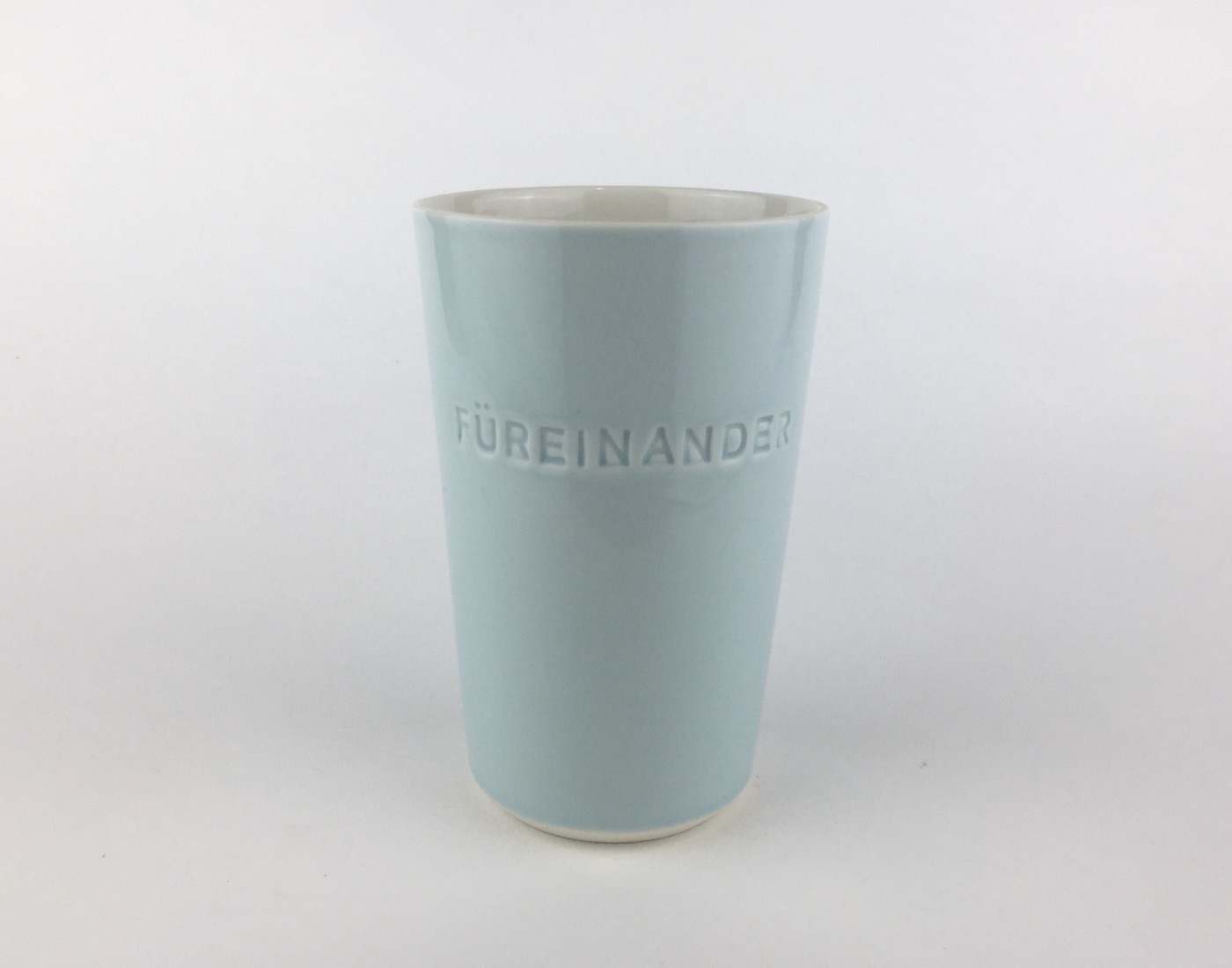 2020  FÜREINANDER